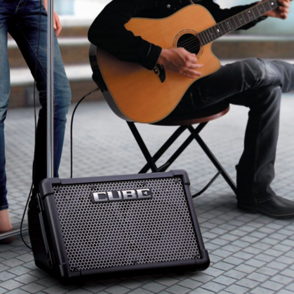 Street performance with Roland Cube